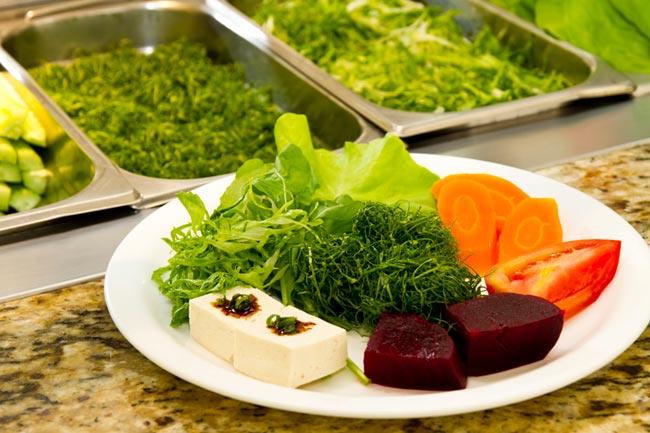 Saladas orgânicas: a companhia perfeita para sua saúde